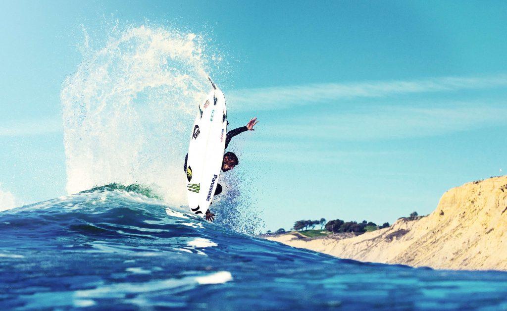 surfer-la-vague